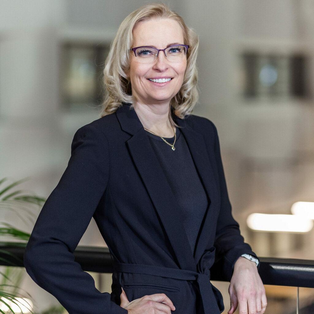 Maria Vuontisvaara Head of Consulting and Partnerships maria.vuontisvaara@mostdigital.fi linkedin.com/in/maria-vuontisvaara +358 40 0602 939
